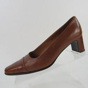 Ralph Lauren women's size 7B leather slip on heels